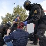 """Magyar rendőr a lengyel újságírónak: """"Önt Magyarországon vették őrizetbe, nem pedig Európában"""""""