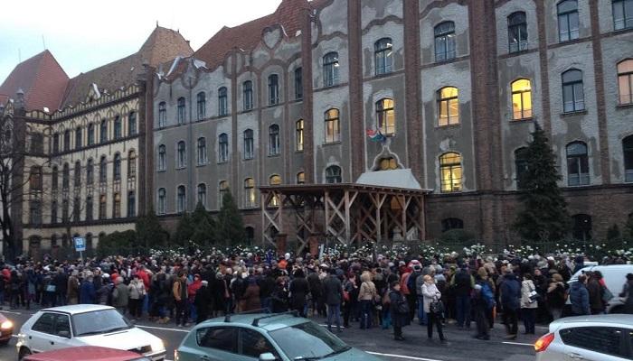 Tüntetés a Teleki Blanka Gimnáziumnál, 2016. február 19. Fotó kettőspont Lestyánszky Ádám