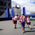 Iványiék focival mutatták be, hogyan működik ma Magyarország