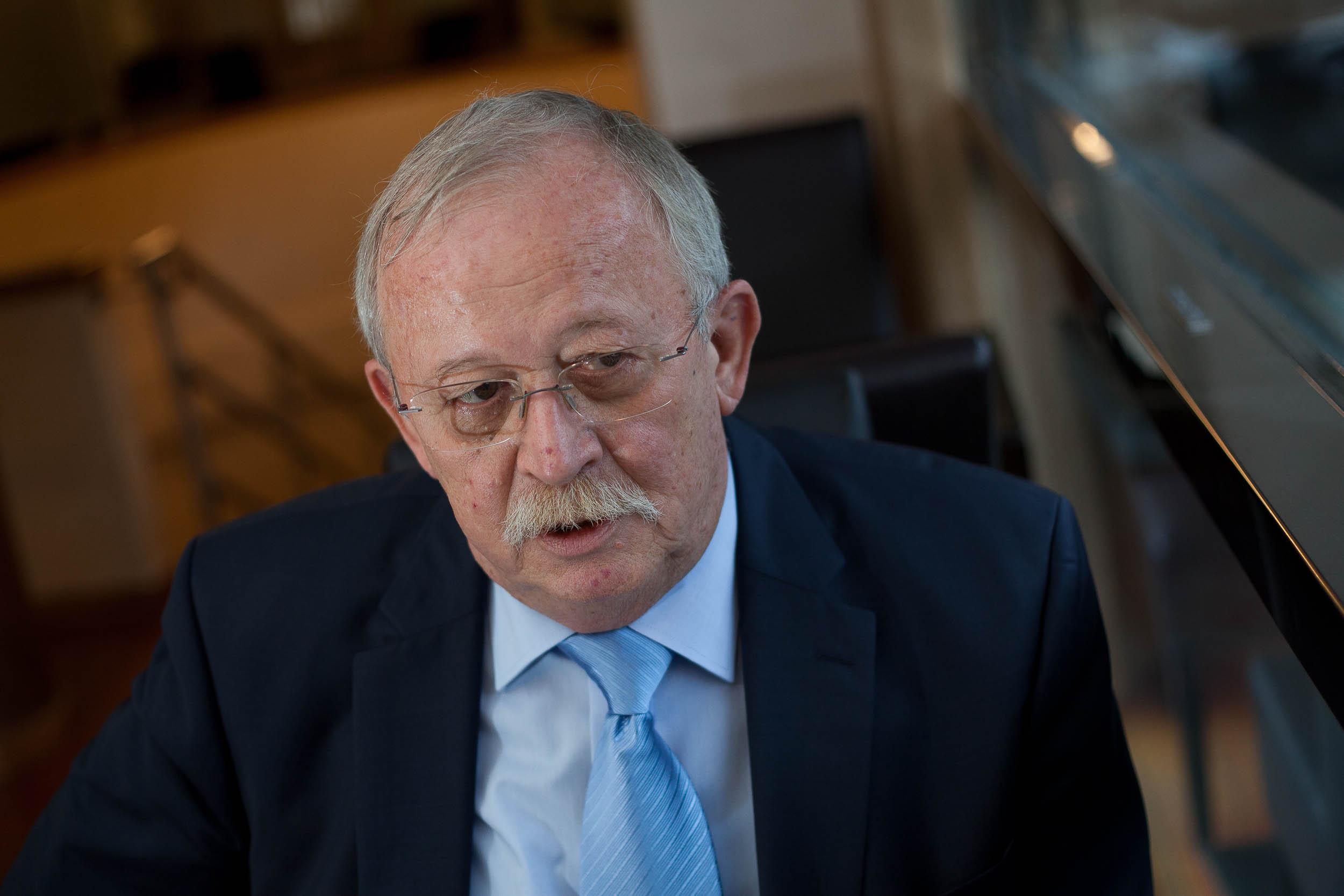 Az MSZP feltartotta a kezét, és a megszűnés útjára lépett – interjú Kuncze Gáborral 3