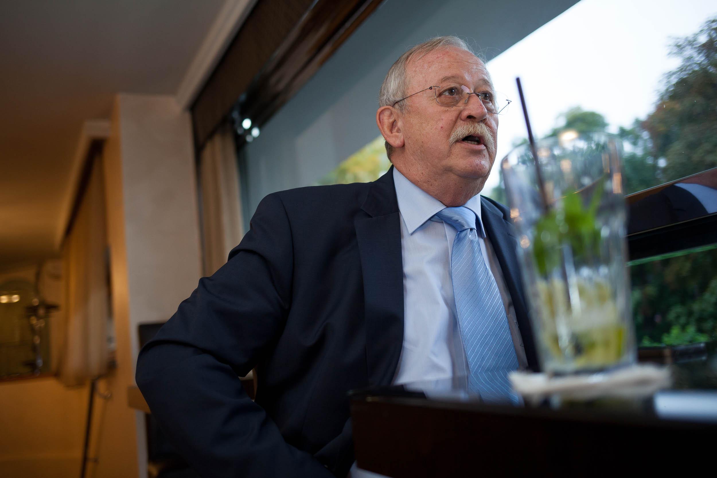 Az MSZP feltartotta a kezét, és a megszűnés útjára lépett – interjú Kuncze Gáborral 7
