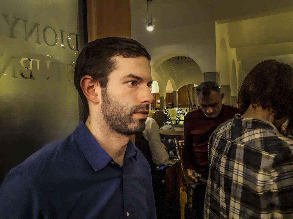 """""""Gerinctelen, szűklátókörű, gyakran buta emberek vezetik az országot"""" – momentumos lakossági fórum Münchenben Fekete-Győr Andrással 2"""