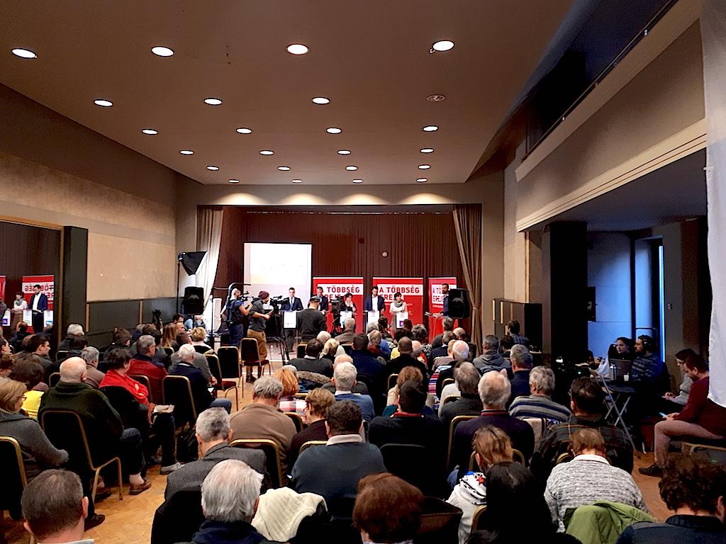 A Jobbik azért alakult, hogy a XXI. századba átvigye az országot – politikusi vita volt Budafokon