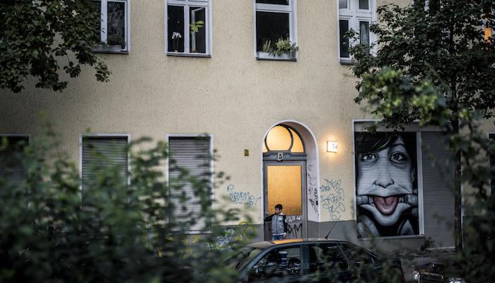 Inkább egymást bántják a menekültek, mint a németeket – az Abcúg írása