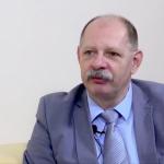 2010 után annyi történt, hogy piros helyett narancssárga lett a bebetonozott bírósági vezető – interjú Ravasz László egykori címzetes táblabíróval